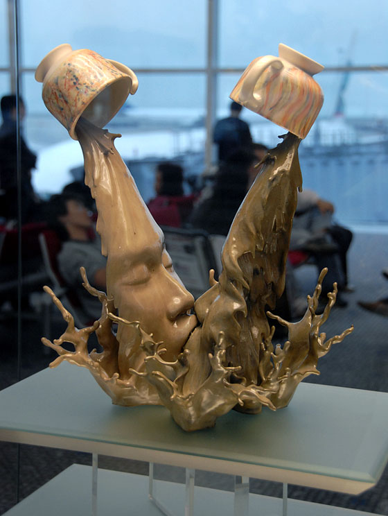 Coffee Kiss Sculptures by Johnson Tsang