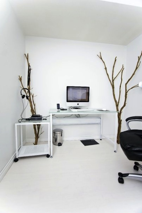 Stunning-White-Workspace-for-Computer