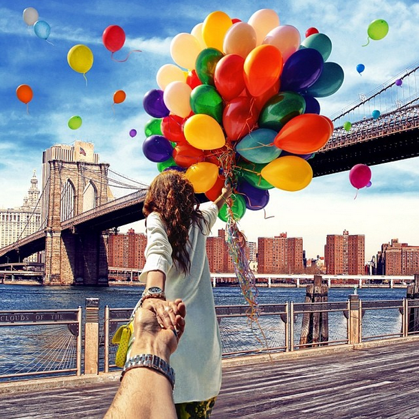 30 Lovely Couple Photos That Will Make You Want To Travel