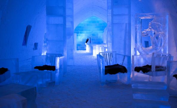 ICEHOTEL_Jukkasjarvi_Sweden-Absolut-Icebar-Jukkasjärvi