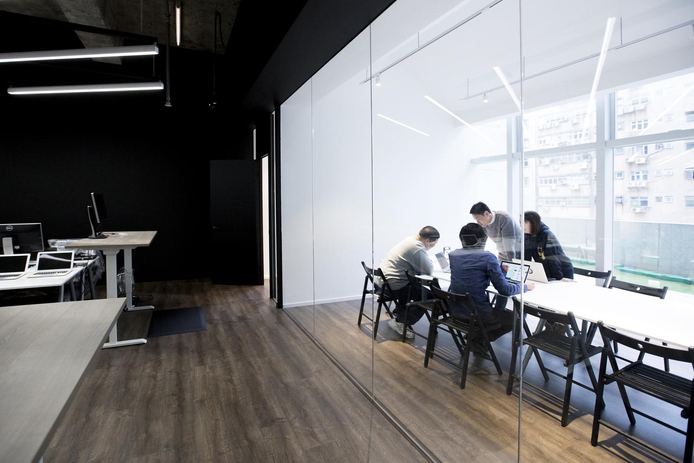 Elegant 11The Meeting Space