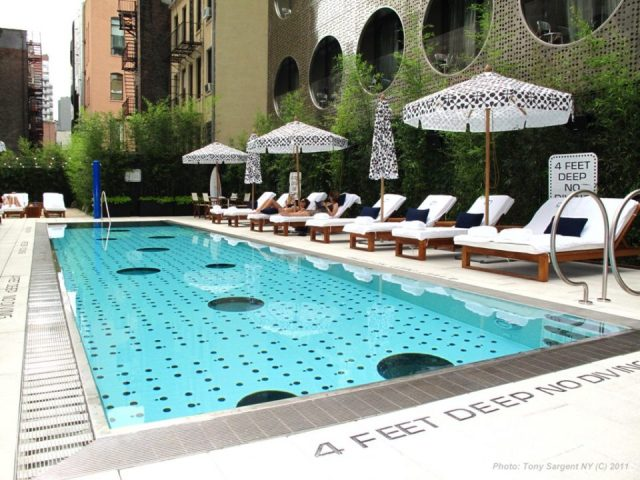 Beat the heat with 14 most coolest rooftop pools of nyc for Club piscine pool heater